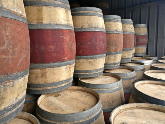 Grade B Oak Red Wine Barrel for Tables, Water Butts and Decoration