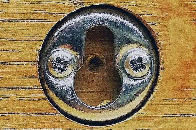 Keyhole Bracket Installation with Oak Beams