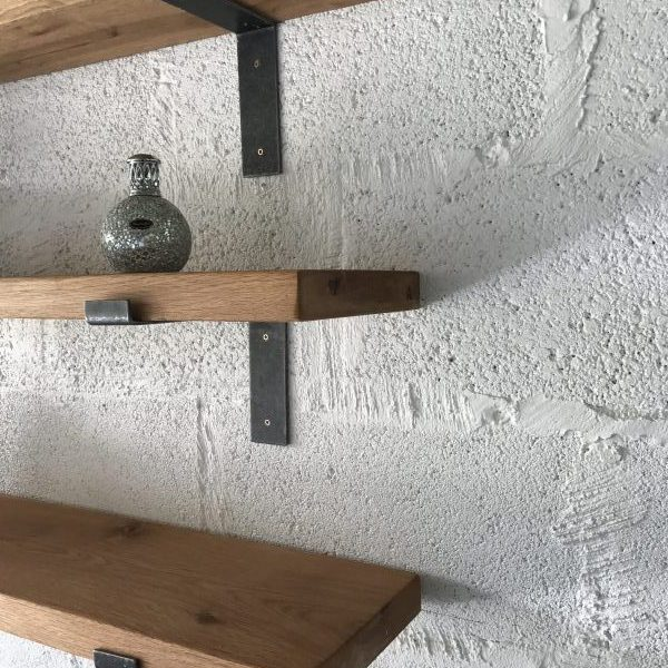 Close up of features in KIln Dried oak Shelving