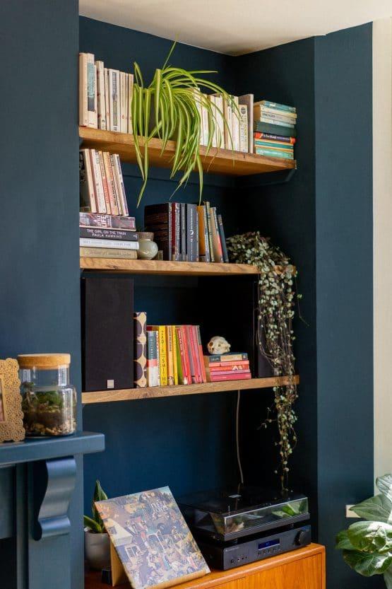 Kiln Dried Floating Oak Shelves Bookcase