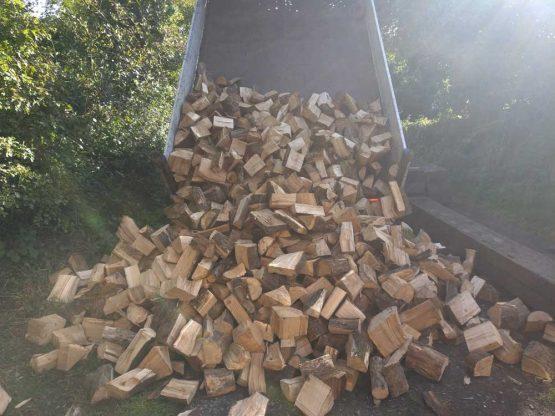 Full Tipper Load of Kiln Dried Harwood Firewood Logs in Pembrokeshire