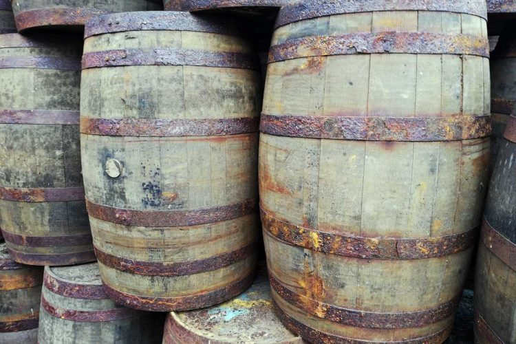 Grade B Oak Whiskey Barrel for Sale
