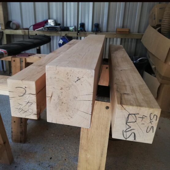 Planed and sanded oak beams for Trade Customers
